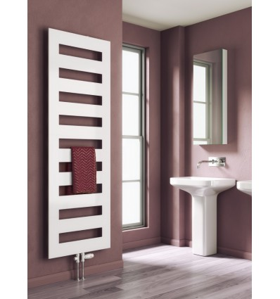 Fondi Vertical Towel Rail Radiator